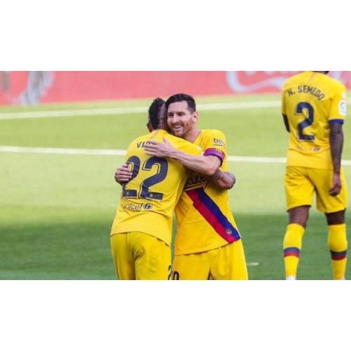 La Liga-Barcelona vyhraje 3 po sobě jdoucí vítězství, aby dohnali Real Madrid
